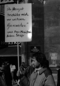 Schäfer statt Gauweiler? Polemisch kommentierte ein Demonstrant die Unionsinternen Meinungsverschiedenheiten (Bildnachweis: AIDS-Initiative Karlsruhe).